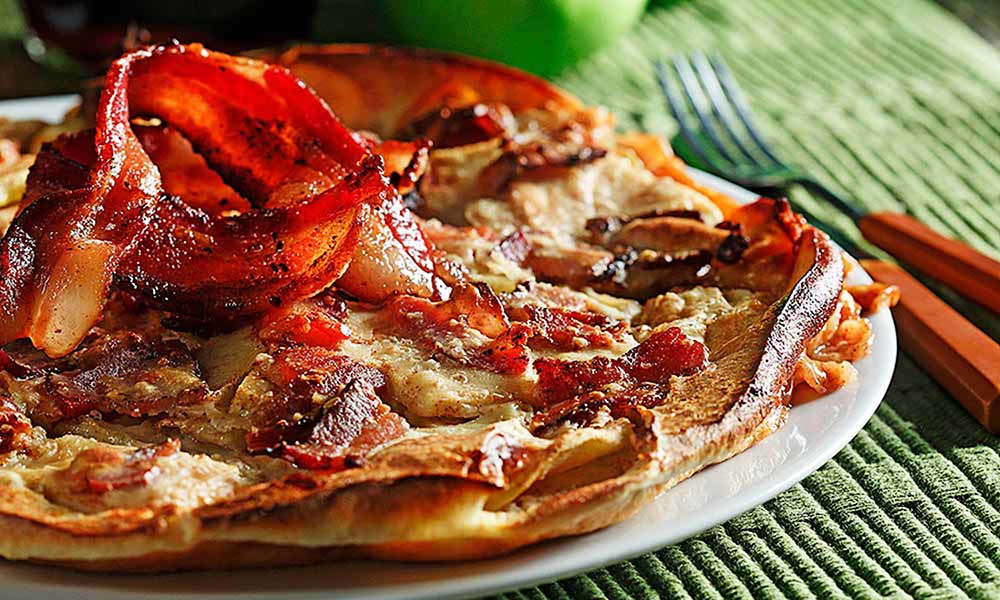Baked-Apple-Bacon-Pancake