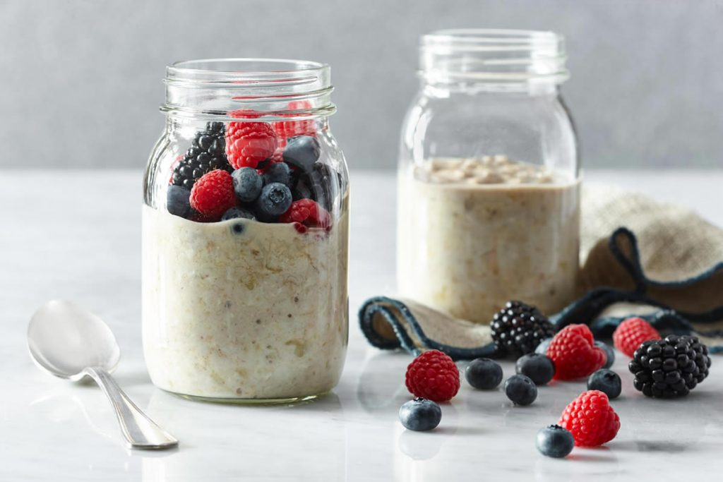 Overnight-Hearty-Oatmeal-Breakfast