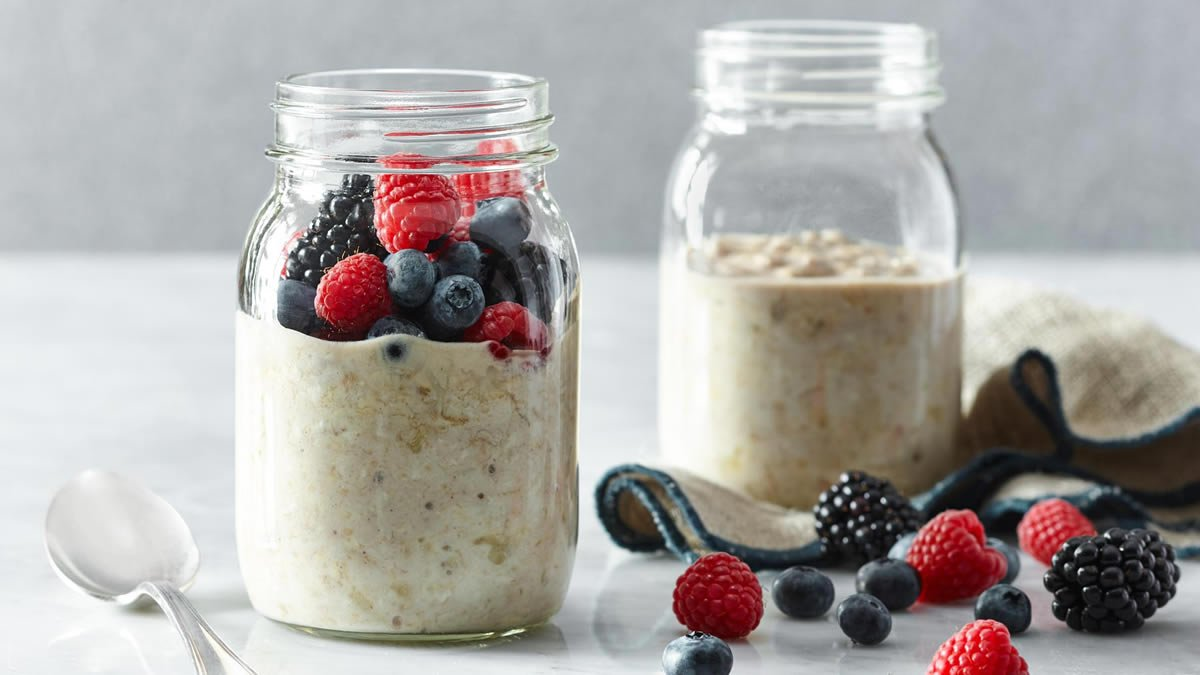 Overnight Hearty Oatmeal Breakfast
