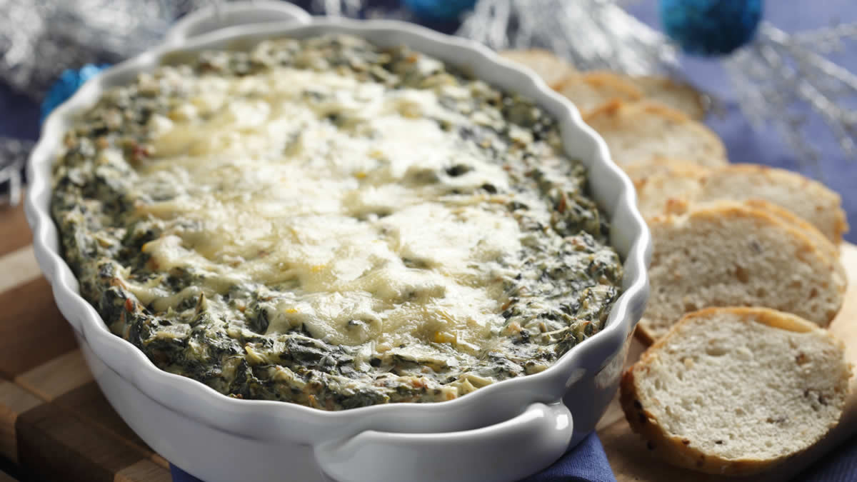 Baked Spinach & Artichoke Dip with Gouda