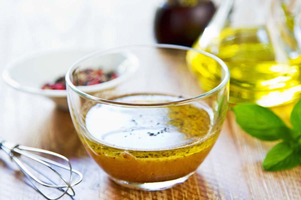 How to make a simple Vinaigrette