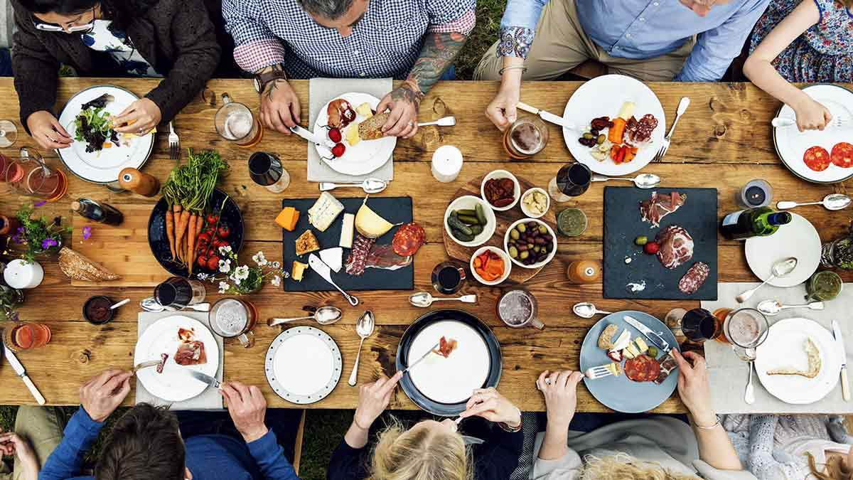 7-food-safety-tips-for-dining-out