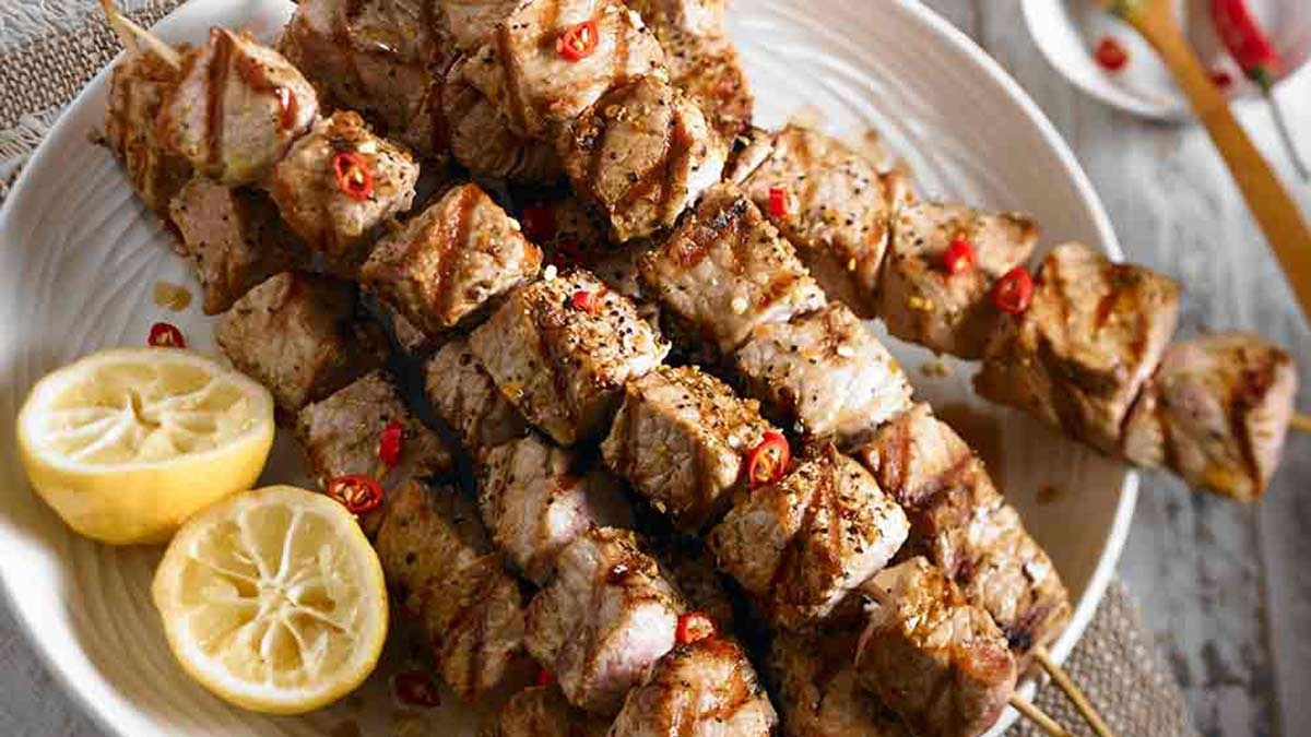 classic-pork-souvlaki