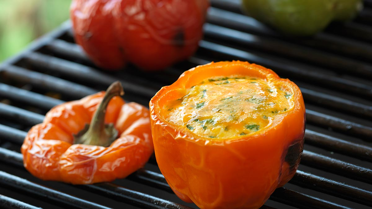 grilled-eggs-in-sweet-peppers