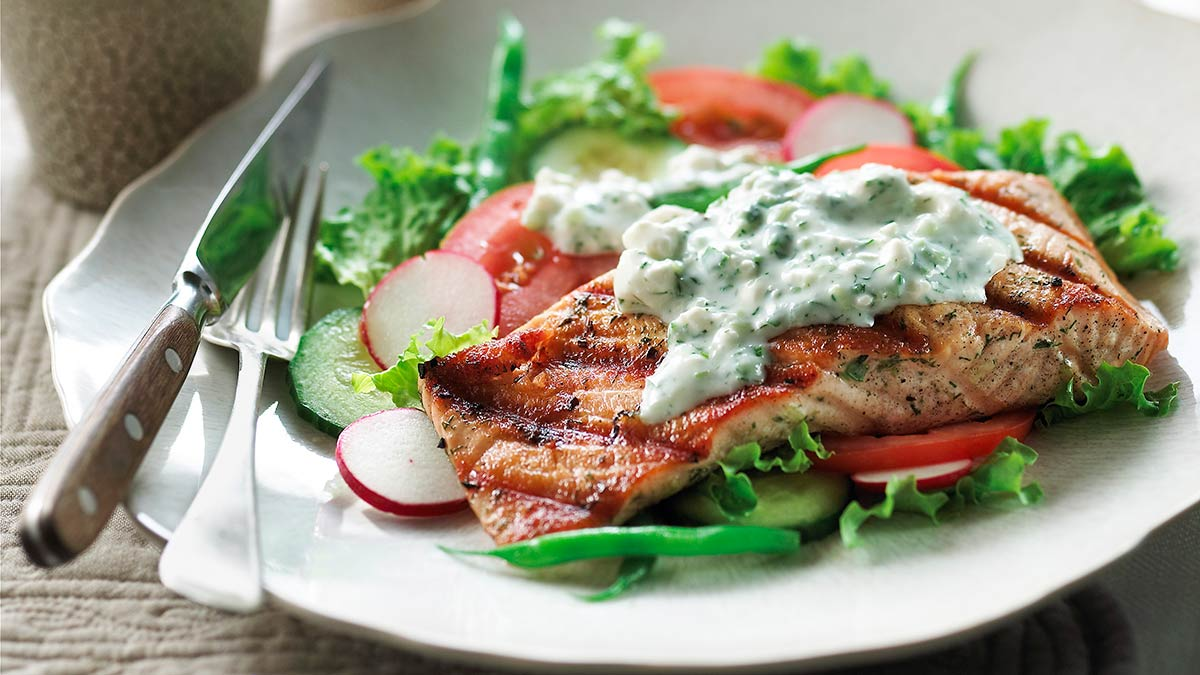 grilled-salmon-salad-with-feat-dressing