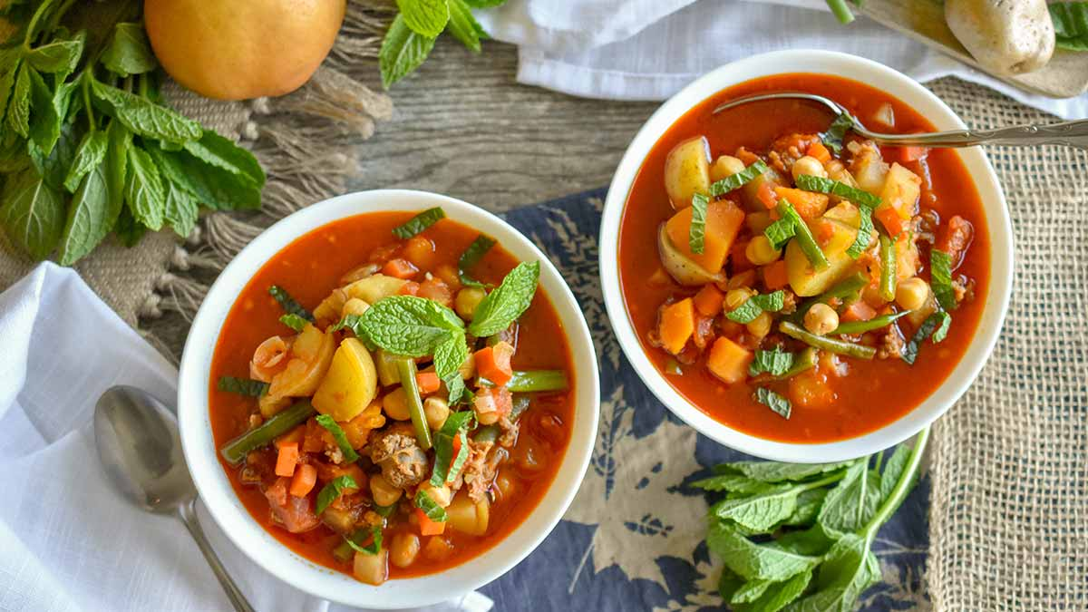 pear-and-sausage-chili
