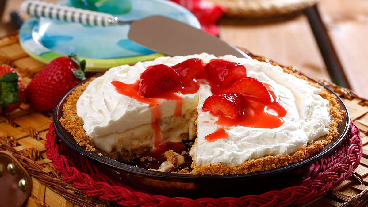 strawberry-cheesecake-and=ice-cream-pie