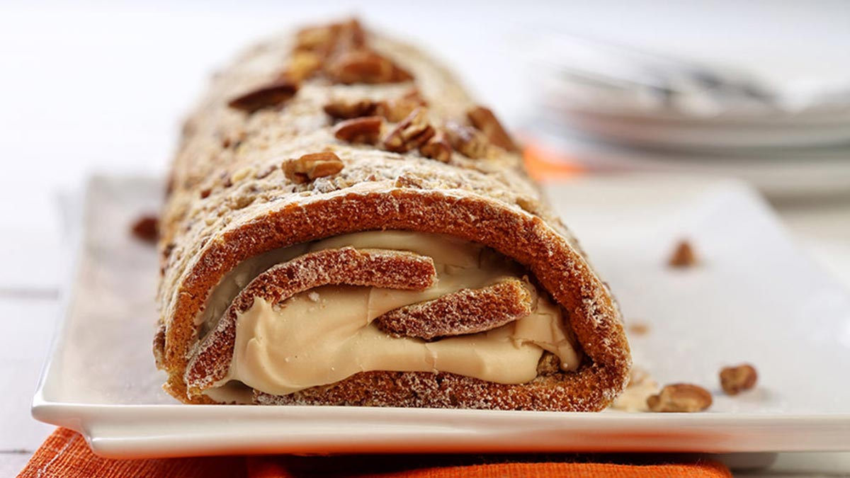 pumpkin-pecan-cream-cake