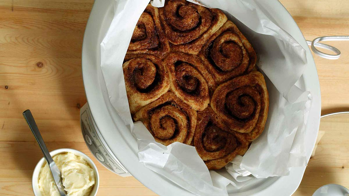 slow-cooker-cinnamon-buns