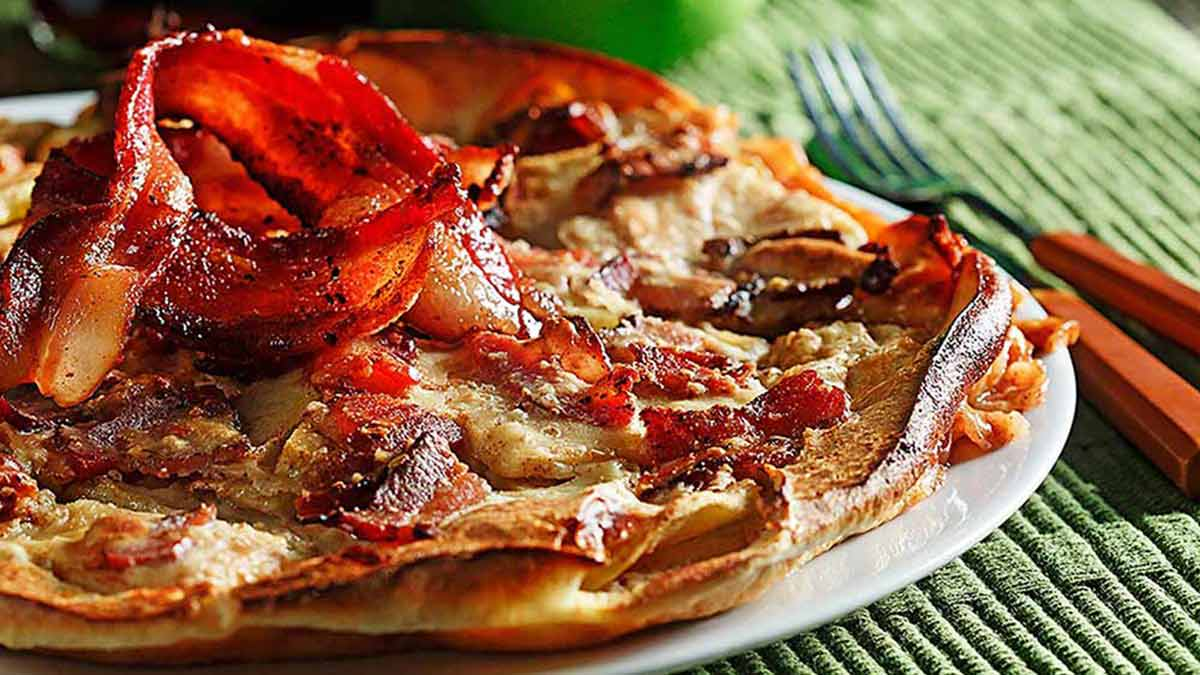 baked-apple-and-bacon-pancake