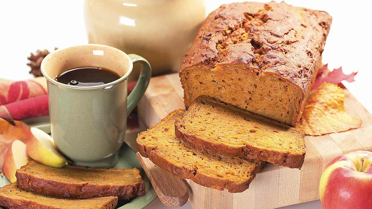 pumpkin-apple-bread