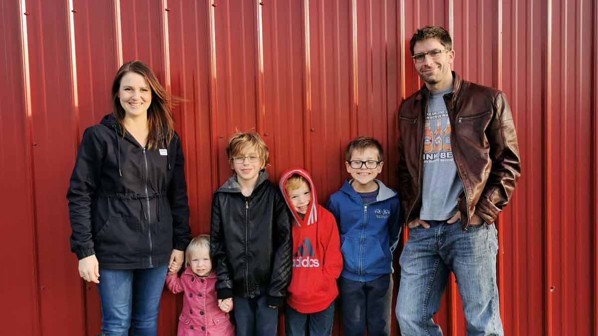 keet-chicken-farm-family