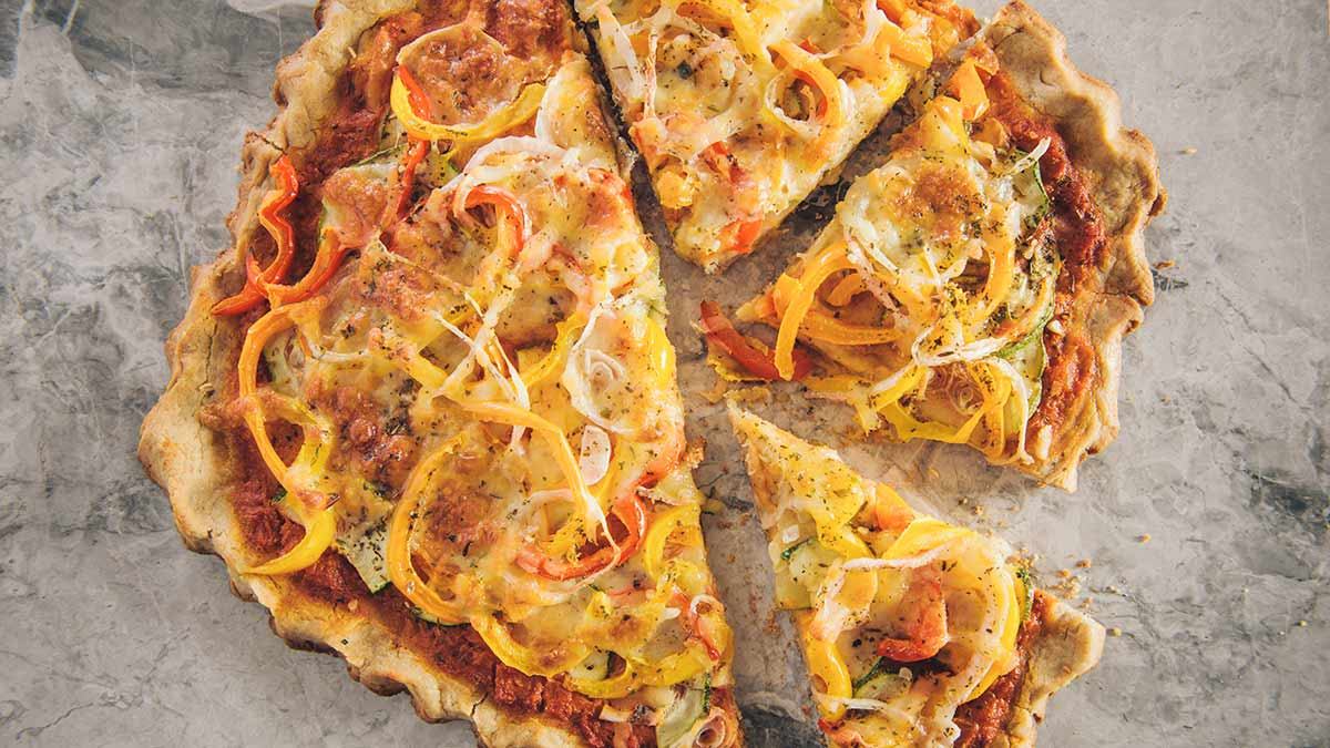 barley-crust-sweet=pepper-onion-pizza