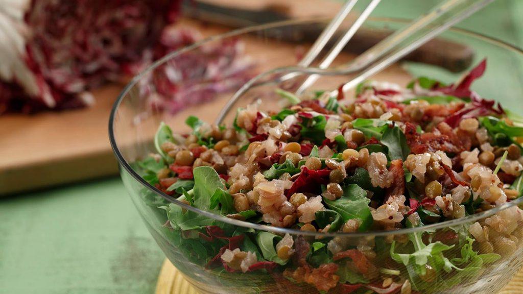 Arugula-Salad-with-Lentils-Bacon