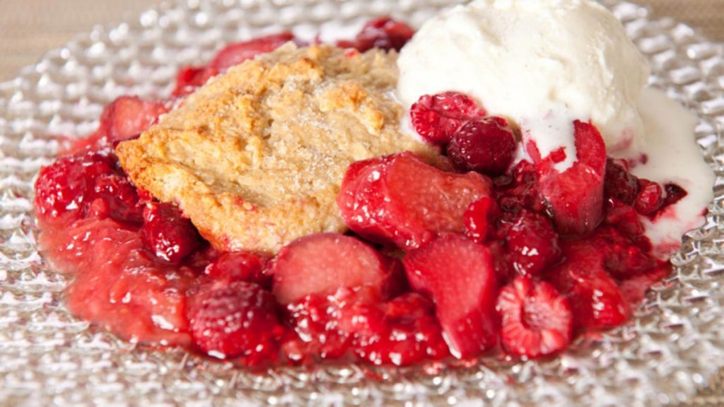 raspberry-rhubarb-cobbler