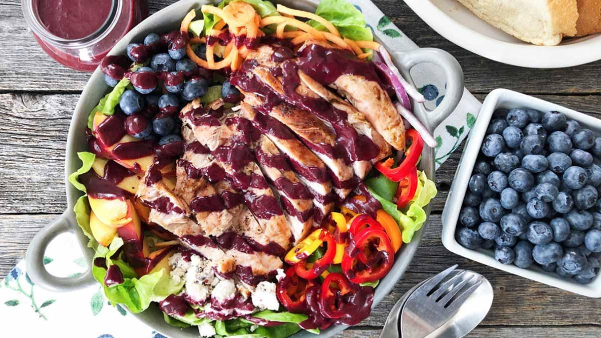 blueberry-balsamic-grilled-turkey-salad