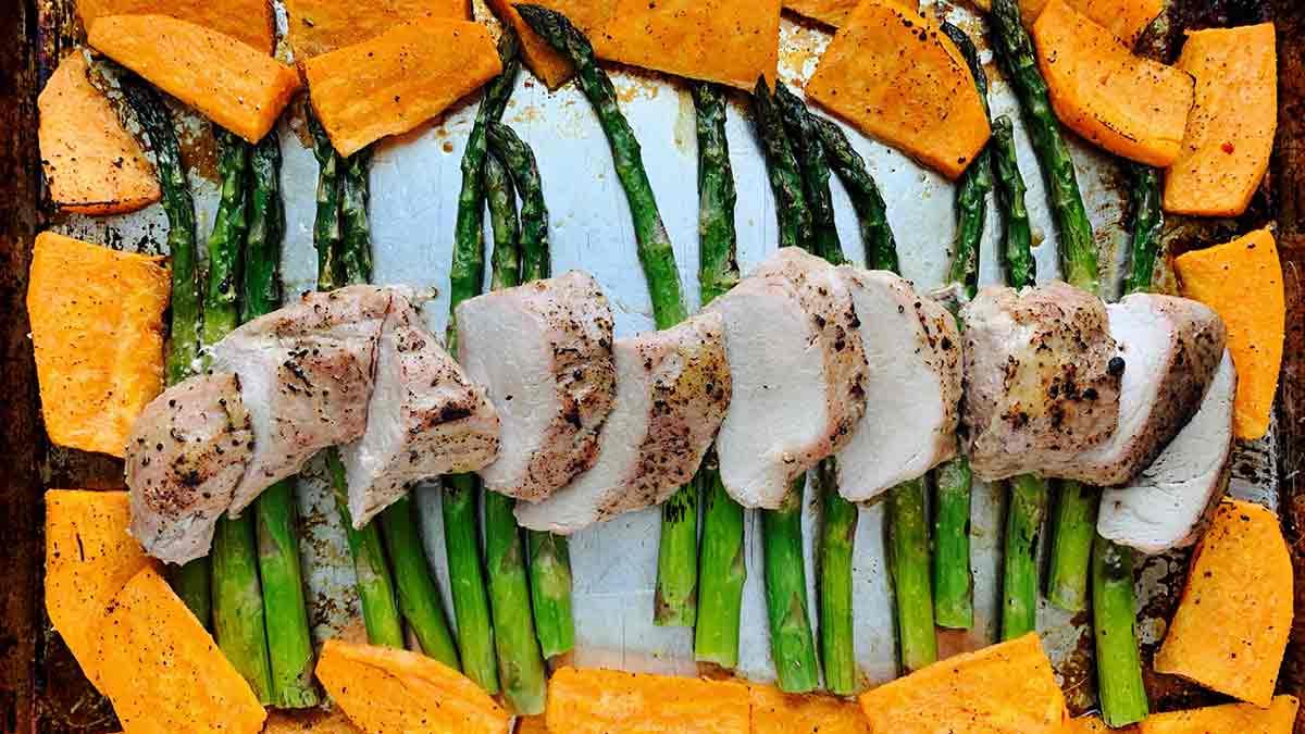 sheet-pan-pork-tenderloin-with-sweet-potatoes-and-asparagus